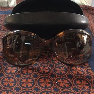 Oliver Peoples Tortoise Round Sunglasses w/ Case